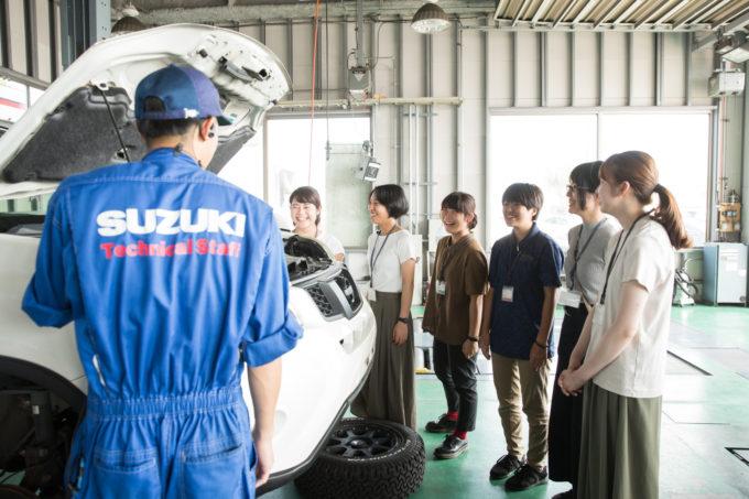 磯﨑自動車 集合写真 旅する冊子 取材インターン 整備